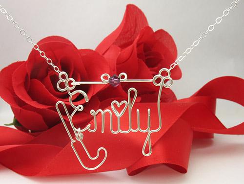 heart-Hockey-Stick-pendant charm necklace