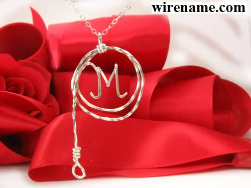 Personalized necklace in silver or gold wire